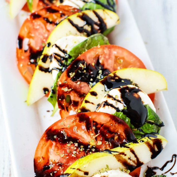 Ensalada Caprese with Sliced Pear