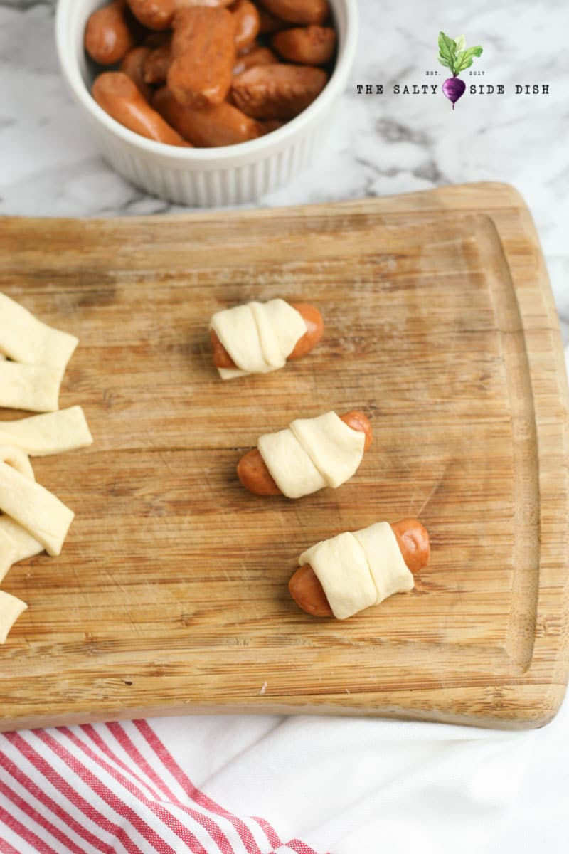 crescent roll pigs in a blanket instructions