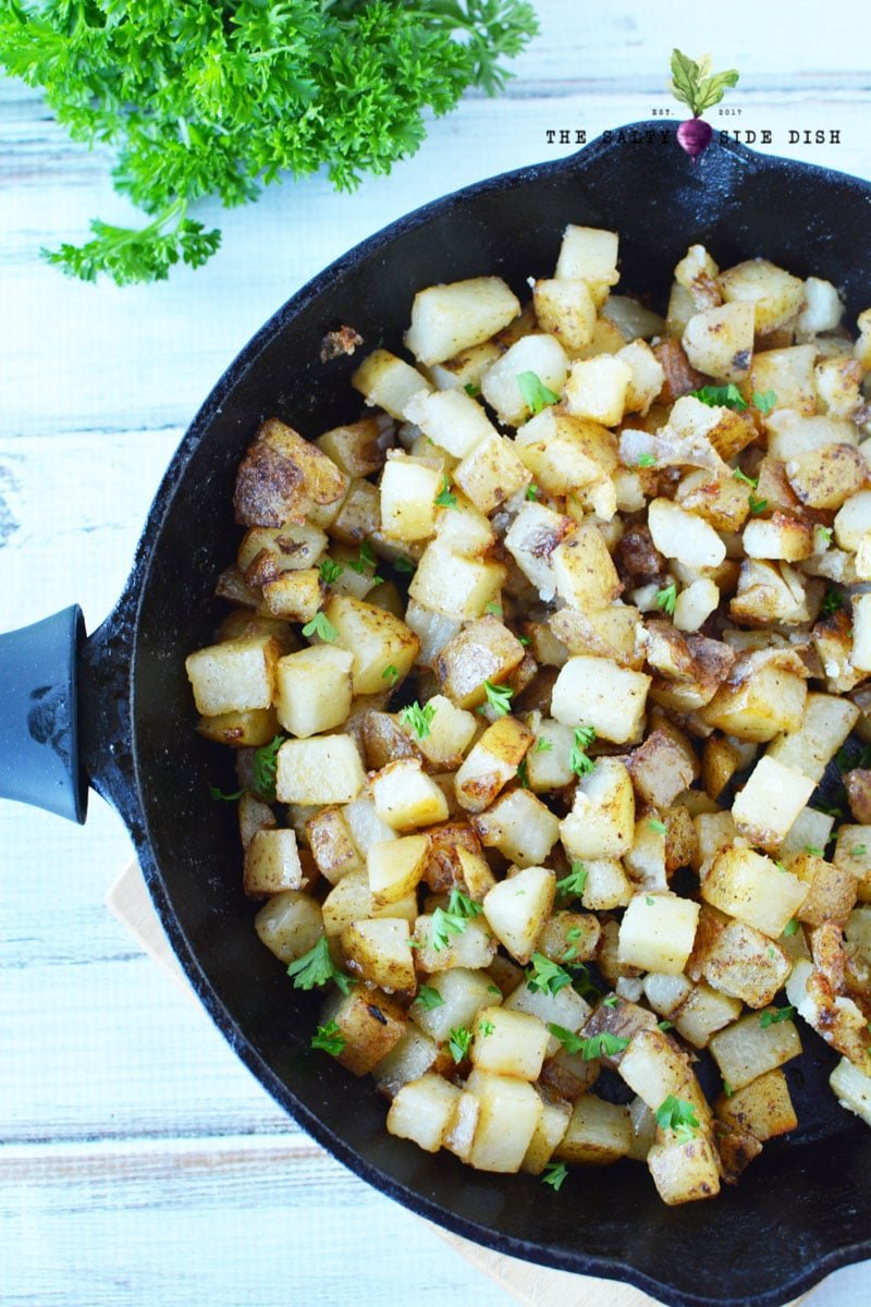 fry potatoes in the skillet