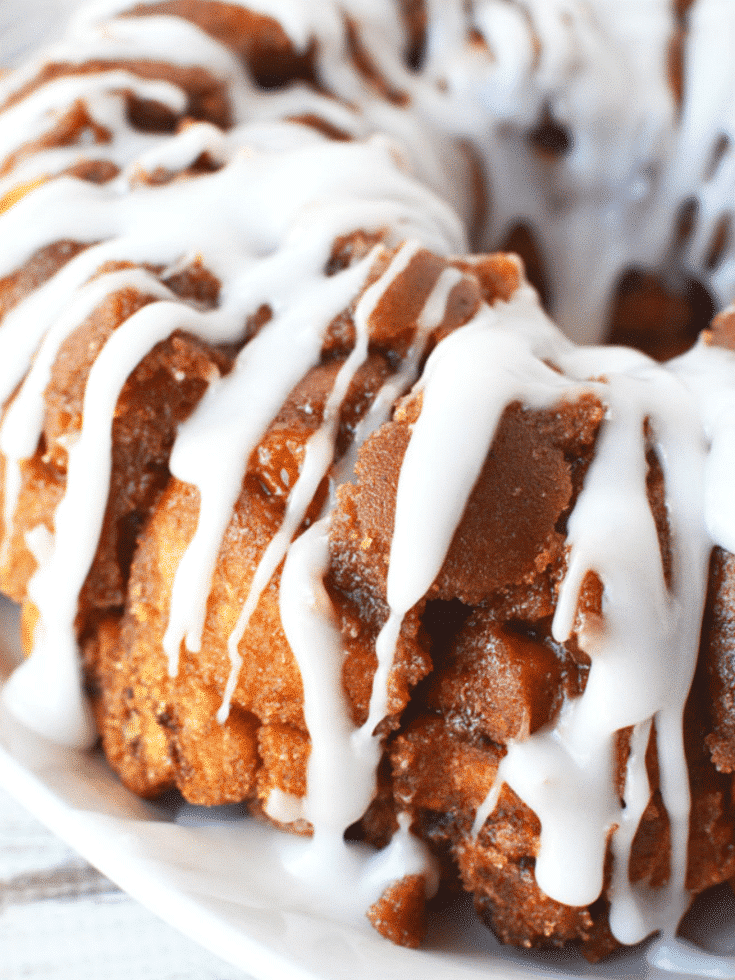 Cinnamon Roll Monkey Bread with Caramel Sauce