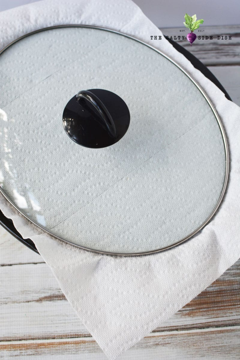 keeping a paper towel on top of crock pot slow cooker to catch condensation is the key to a cake