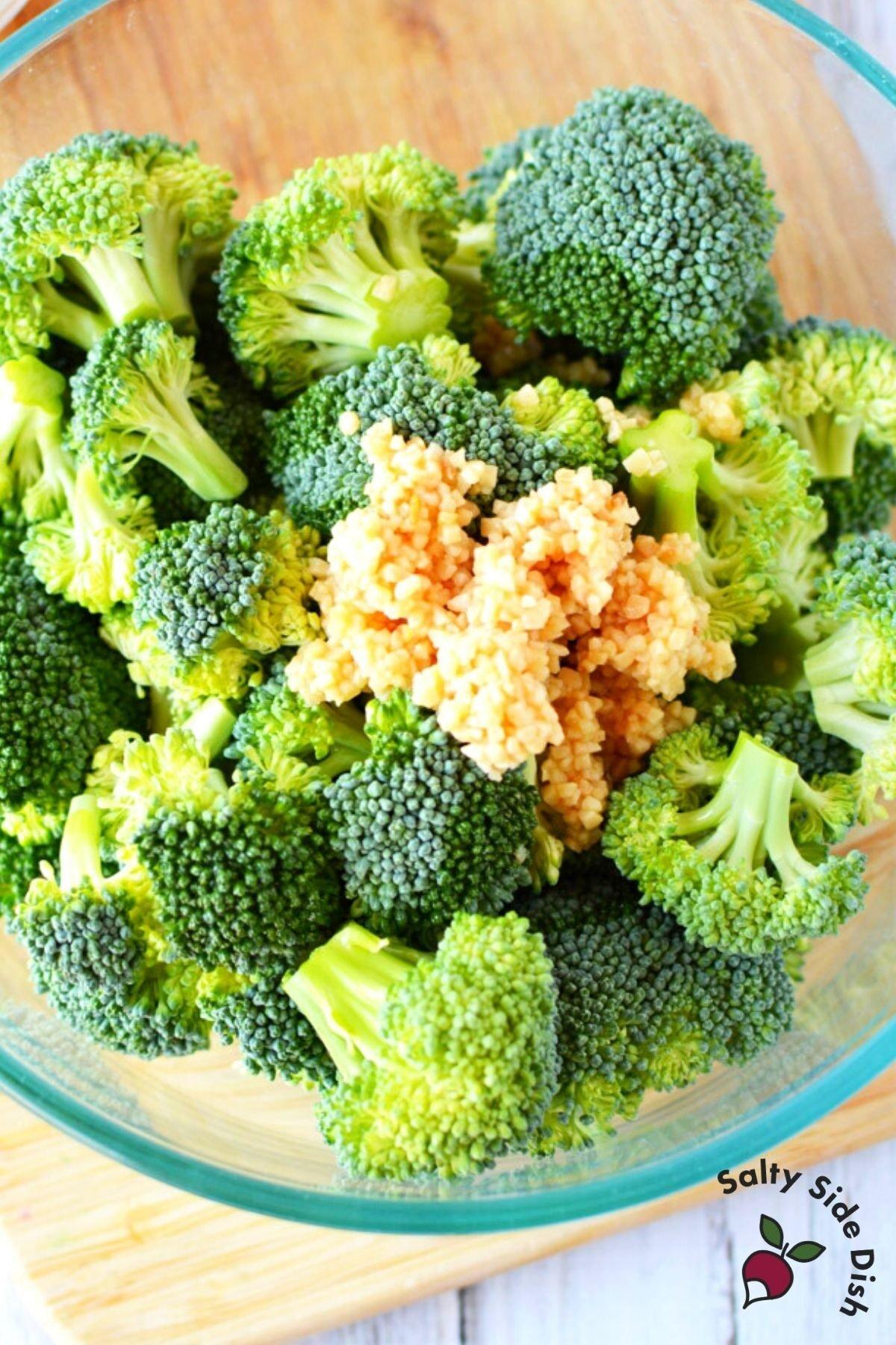 add minced garlic to broccoli
